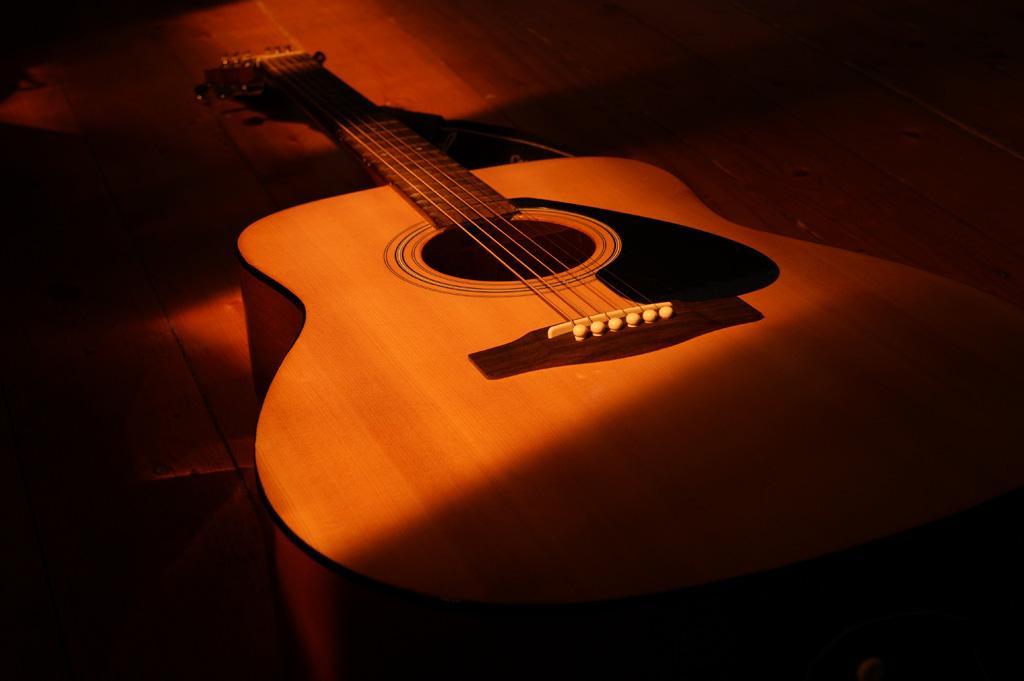 アコースティックギターを使った弾き語りライブでの音作り